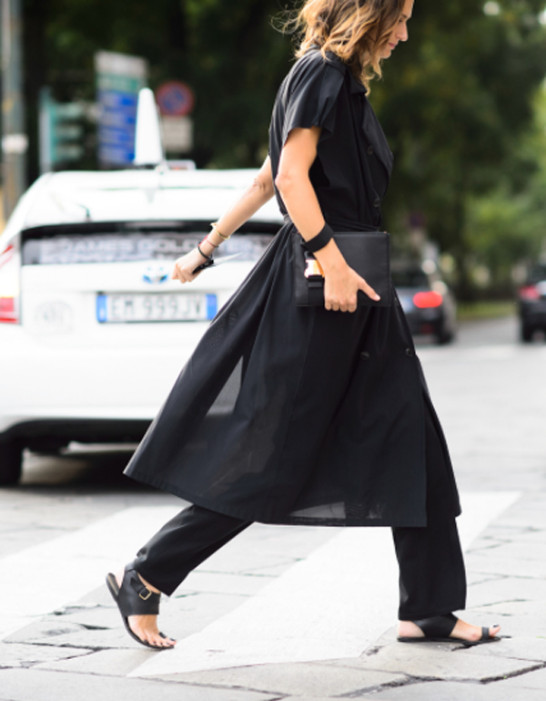 Make-up for an all-black outfit